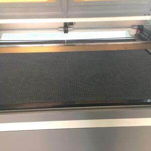 onM VH7aVmo 1 300x300 - Все о лазерно-гравировальных станках с ЧПУ